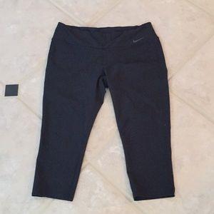 Nike Dry-Fit Capri